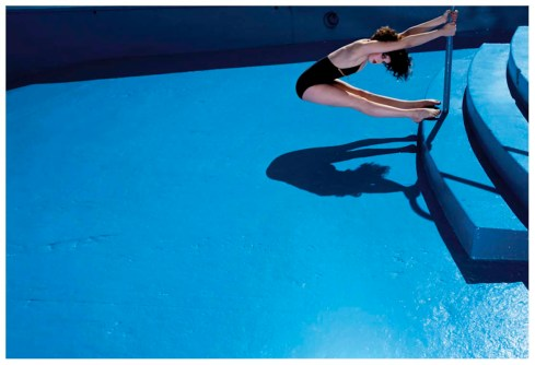 006-guy-bourdin-theredlist